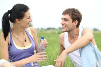Como conquistar a un hombre con novia